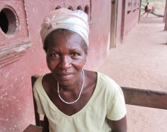 Aminata Otterbein, 60 yrs, saw other educated people her age and wants to learn herself.