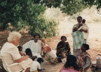 Winifred with family in El Obeid, Pakistan